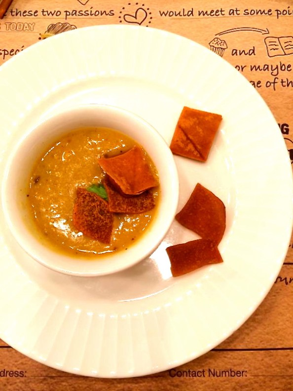 Traditional Cholar Daal with Arabic Fatoush bread
