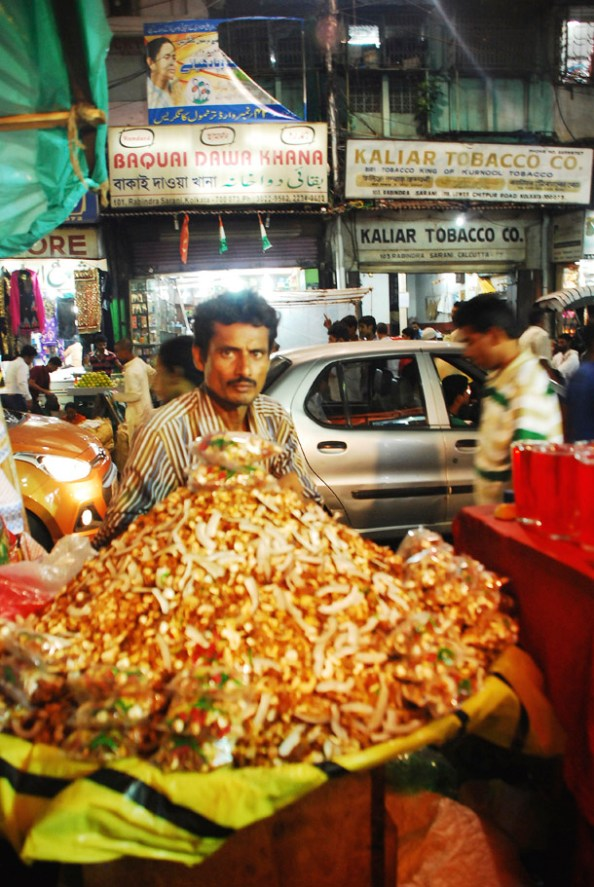 Dried fruit seller in Chitpur Road