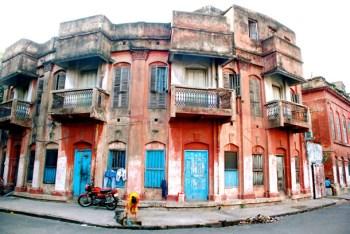 A dilapidated house in North Kolkata