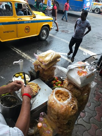 Streetfood vendor in Gariahat, Kolkata