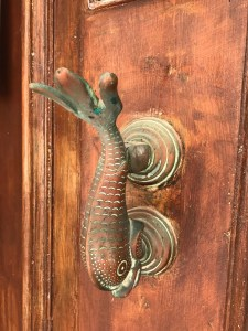 Decorative bronze door knob in Birgu