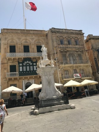 The St. Lawrenz monument in Birgu's main square