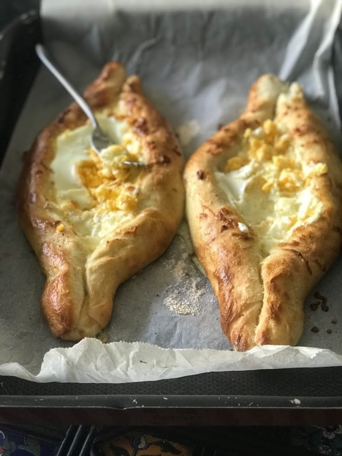 Making of Acharuli, the boat shaped Georgian cheese-bread at home