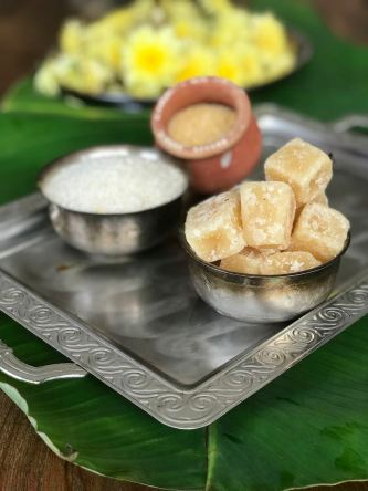 Ingredients for making Sakkarai Pongal
