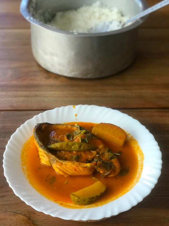 Meen Kulamba with mango