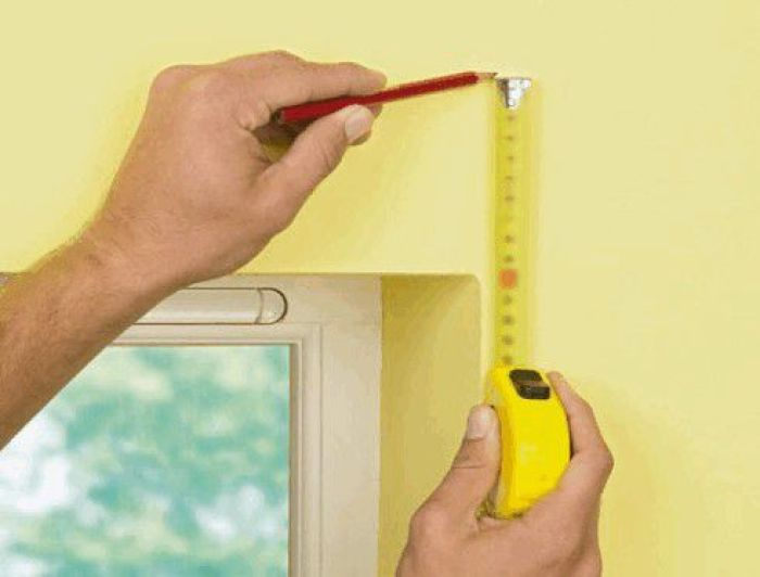 Как повесить карниз для штор на стену: несколько простых советов