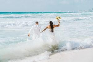Trash the Dress Cancún Mexico and Riviera Maya