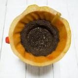 """""""コーヒーかす"""" の使い道「1分でできる!超簡単 & メリットしかない再利用方法」を紹介。"""
