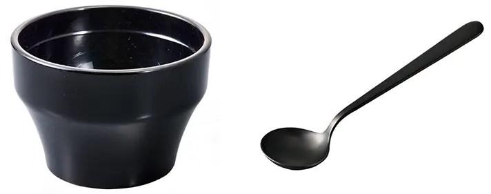 左:カッピングボール 右:カッピングスプーン