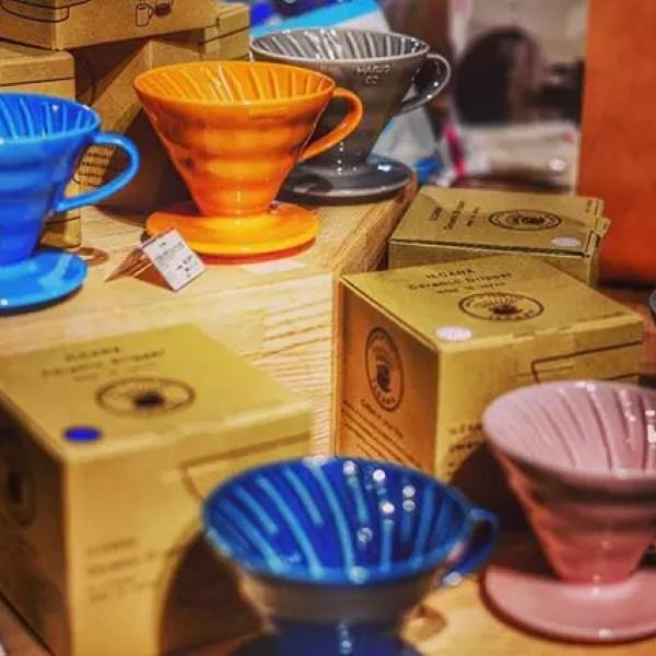 持ってても全色欲しいドリッパー#hario #hariov60 #hariodripper #ilcana #dripper #ハリオ #ハリオv60 #coffeetools #colorful (by Instagram)