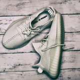 【Yeezy Boost 350 V2】と【adidasの他モデル】で『サイズ感』を比較!