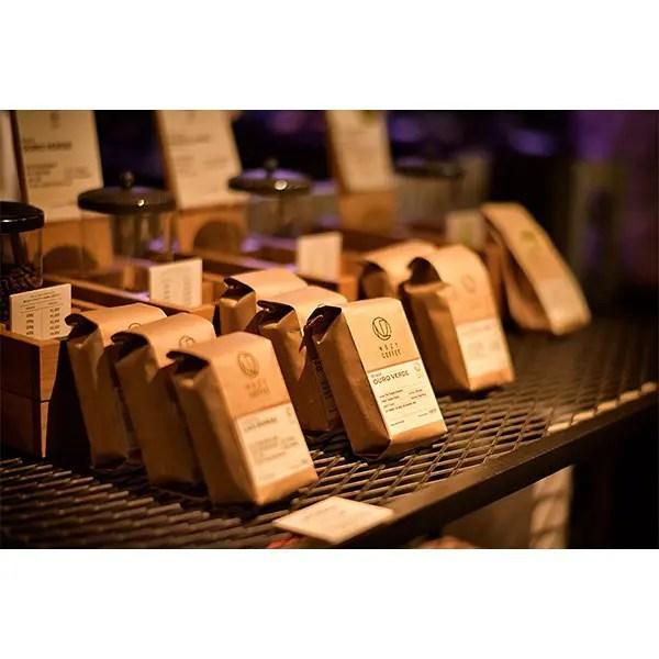 ・・迷う。・・#theroasterybynozycoffee #nozycoffee #cafestgram #instacafe #coffeetime #coffeebreak #coffeestand #coffee #coffeetime #cafe # #cafe #tokyocafe #コーヒー #コーヒースタンド #コーヒーブレイク #カフェ #カフェ巡り #カフェスタグラム #カフェ部 #おしゃれカフェ#東京カフェ #東京カフェ巡り#コーヒーのある暮らし #コーヒー好きな人と繋がりたい (by Instagram)