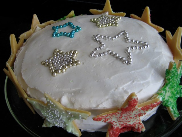 Christmas Cake With Cookie Star Border