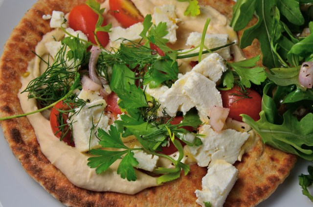 Hummus, Tomato, And Feta Pita Pizzas With Arugula Salad