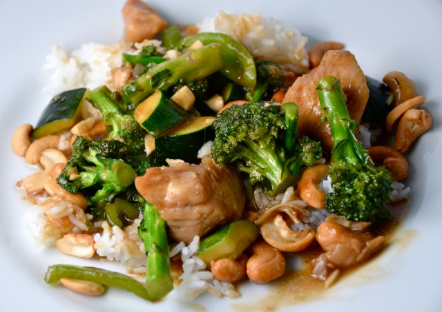 Chinese Chicken With Broccoli And Cashews