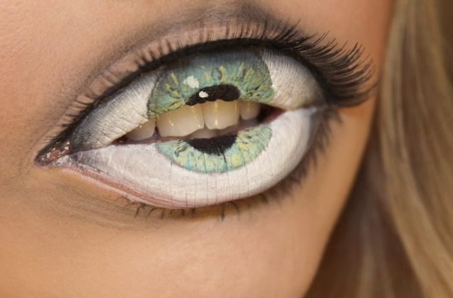 Super-Realistic-Third-Eye-Painting-On-her-Lips-by-Swedish-Makeup-Artist-Sandra