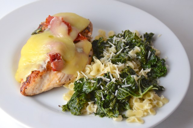 Cheesy Chicken With Kale Pasta