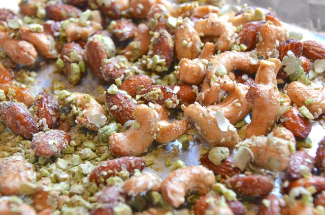 Wasabi-Sesame Party Nuts