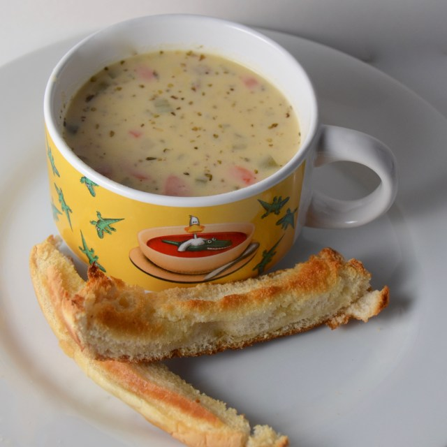 Cheeseburger Soup With Easy Breadsticks