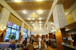 【捷克-布拉格-自由行】必吃必買-世界最美咖啡館Café Imperial帝國咖啡廳【全部餐點翻譯】