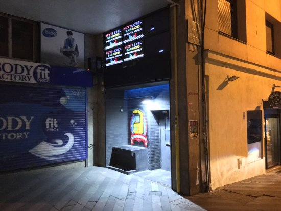 next-level-arcade-bar