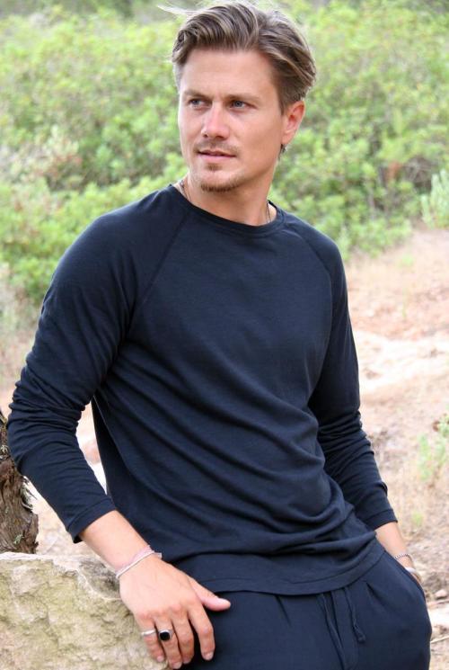 Basic Long Sleeve T'Shirt Eivissa – Black