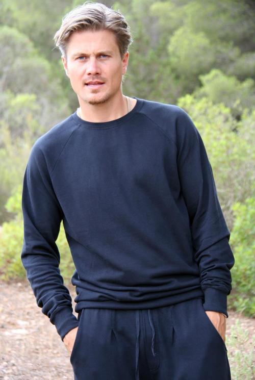 Basic Comfortable Sweater Antoni – Black