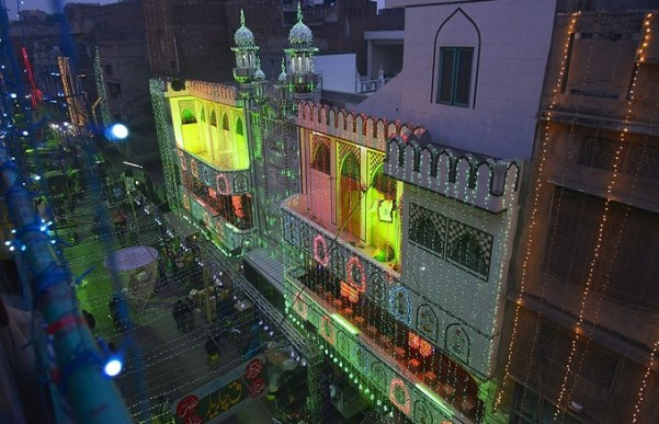 A mosque is decorated to celebrate the birthday of Prophet Mohammed (PBUH) in Lahore. Photo: AFP