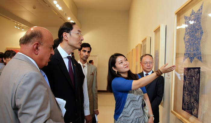 Ambassador of China to Pakistan Sun Weidong attend the China Cultural Heritage Week exhibition in Islamabad on 7 July 2017. Photo: PNCA