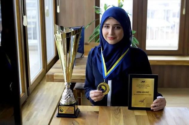 Hijabi_Girl_Tops_Bosnia_Karate_Records