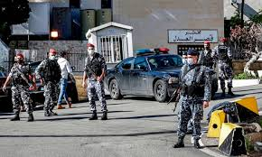 Mass prison break-out and five Lebanese prisoners die in an accident afterwards
