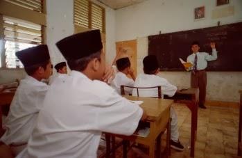 Refleksi Hari Guru: Mengajar dengan Cinta