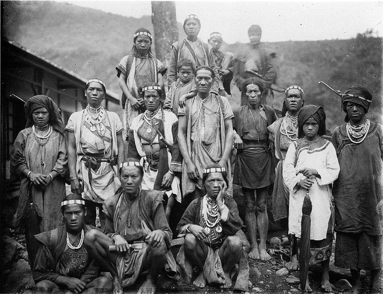 Photo: Bunun villagers c. 1900
