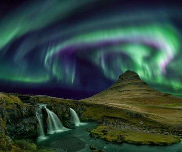 En busca de auroras boreales en Islandia