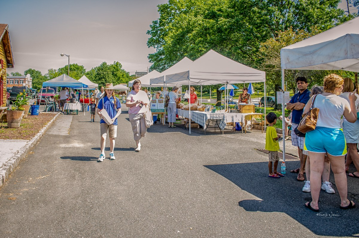 <span class='p-name'>Opening Day of the Montgomery Friends of Open Space Farmers' Market</span>
