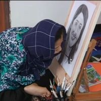 Disabled Afghan girl painter dreams of international fame | Reuters