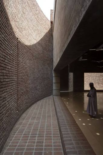 Openings for the hot air to escape. Aga Khan Award for Architecture 2016 Winner: Bait ur Rouf Mosque Dhaka, Bangladesh