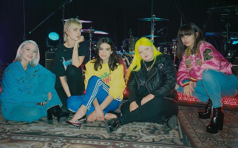 Girl power! ¿Dua Lipa, Charli XCX, Zara Larsson, MØ y Alma se convierten en una banda?