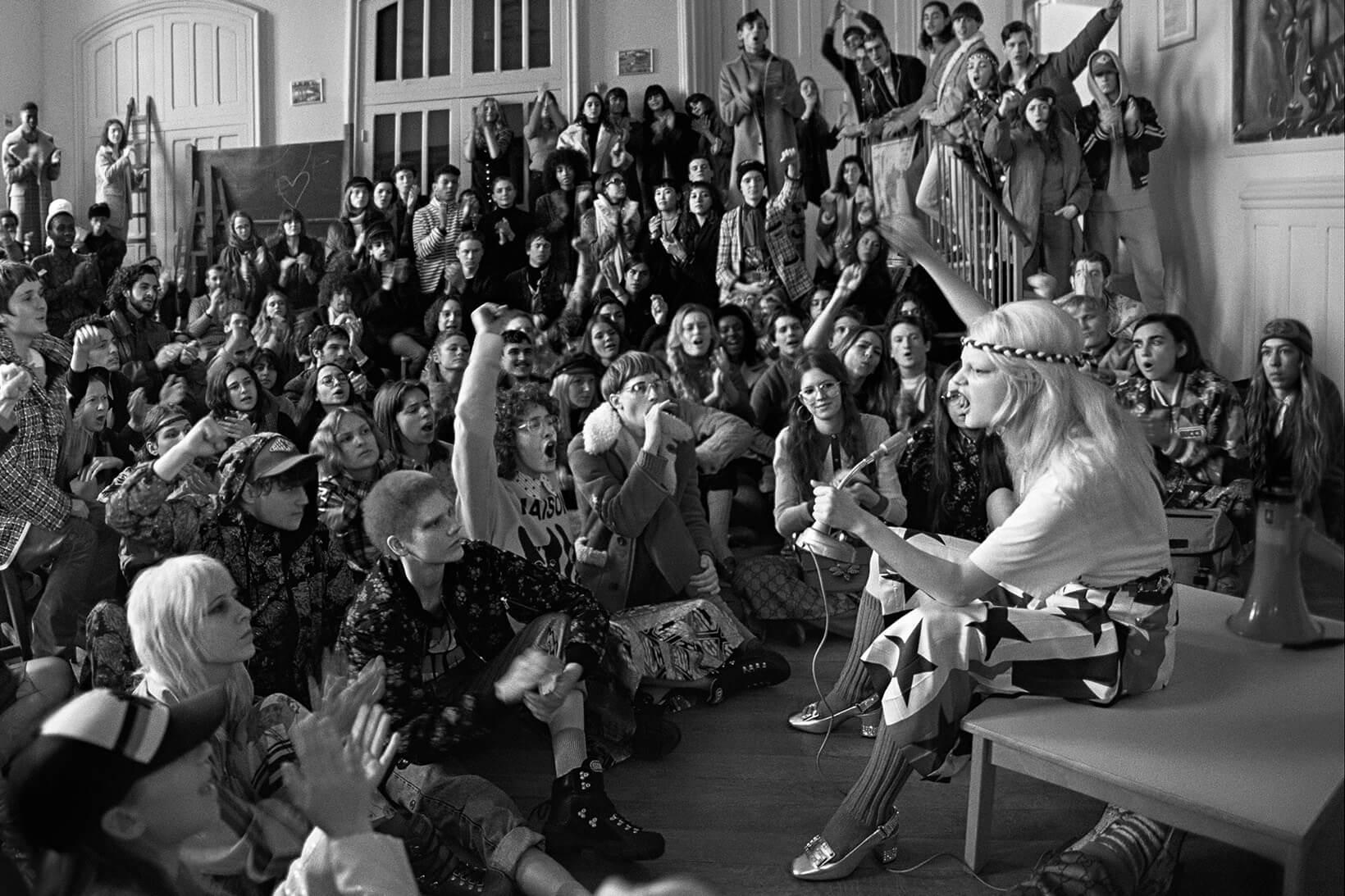 Liberté, égalité, sexualité: Gucci lleva la resistencia a la NYFW con un corto radical