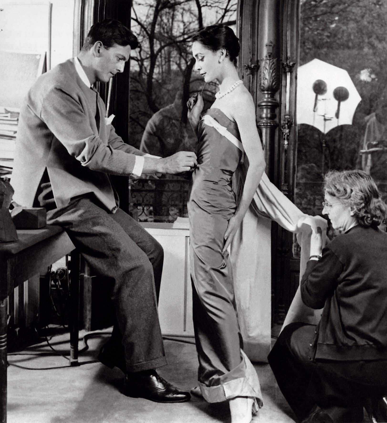 Falleció Hubert de Givenchy: 5 cosas que debes conocer del diseñador que convirtió a Audrey Hepburn en ícono de la moda