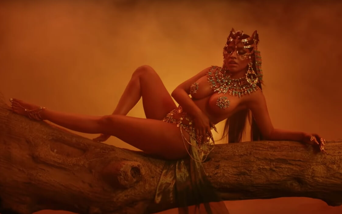 "Nicki Minaj es la diosa más fierce de Egipto en su video ""Ganja Burn"""