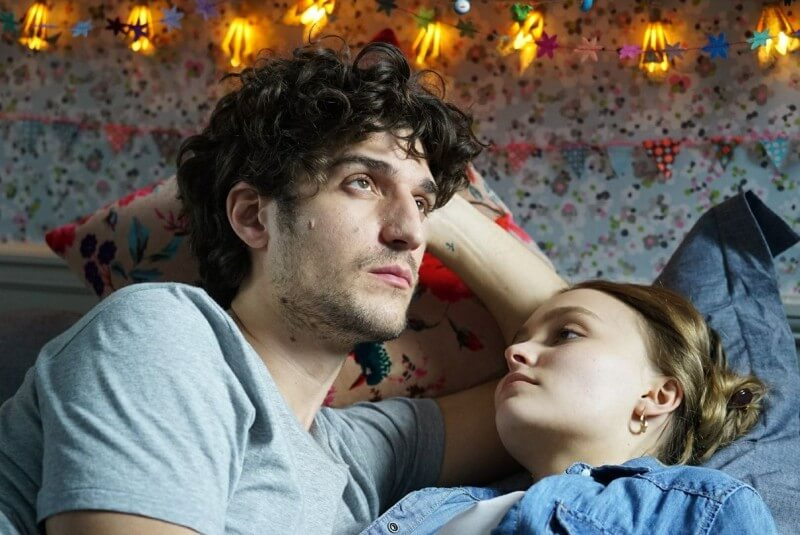 """L'Homme Fidèle"", la romcom irónica inspirada en la Nouvelle Vague con Lily-Rose Depp y Louis Garrel"