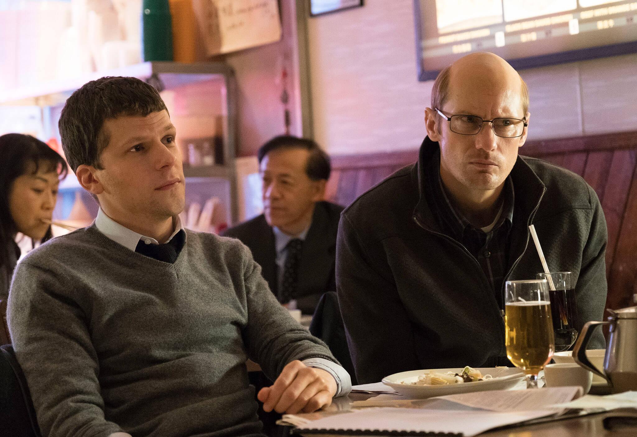 """""""The Hummingbird Project"""": Jesse Eisenberg y Alexander Skarsgård persiguen un sueño salvaje en esta estafa quijotesca"""