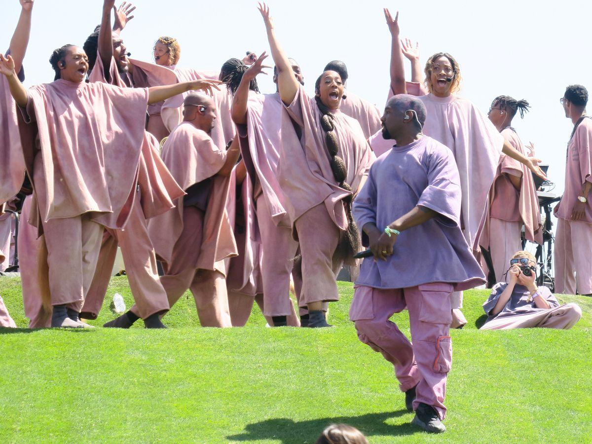 """Kanye West ya tiene fecha oficial para su nuevo disco aunque le negaron el registro de """"Sunday Service"""""""