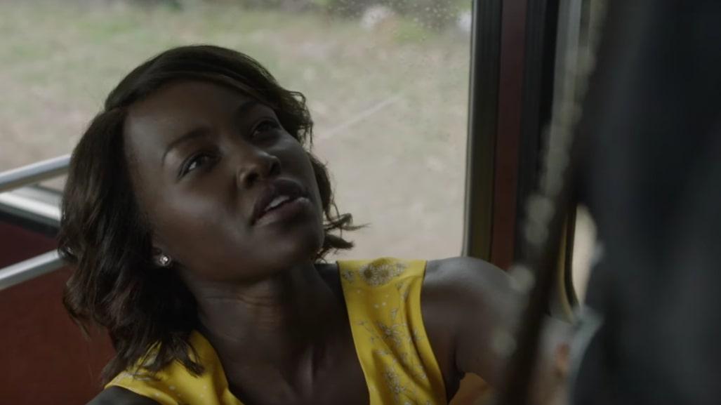"""""""Little Monsters"""": El explosivo e irreverente trailer donde Lupita Nyong'o es una heroína en medio del apocalipsis zombie"""