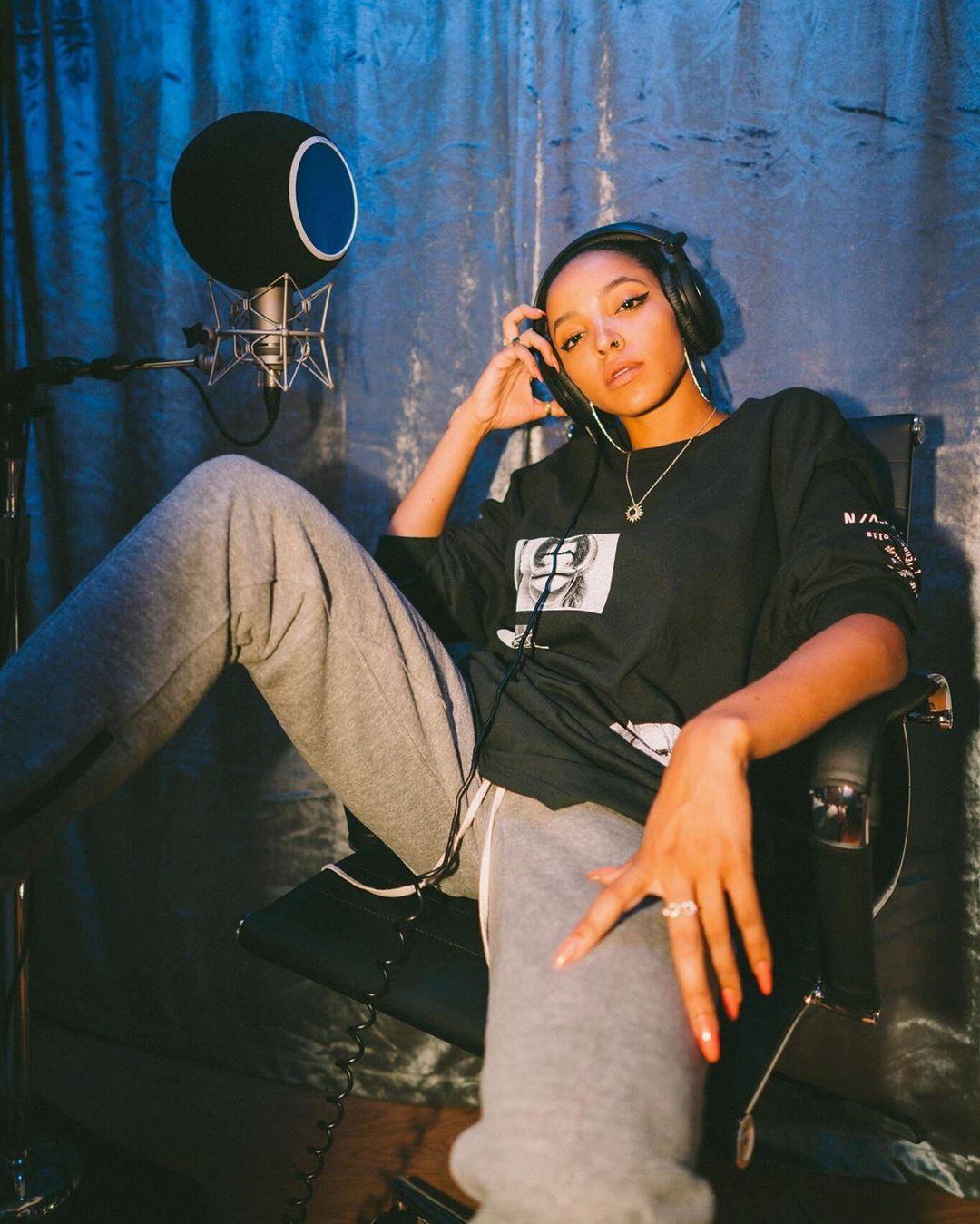 MOR.BO RIOT: Tinashe, la estrella pop y R&B que le dijo adiós a las disqueras para seguir su pasión