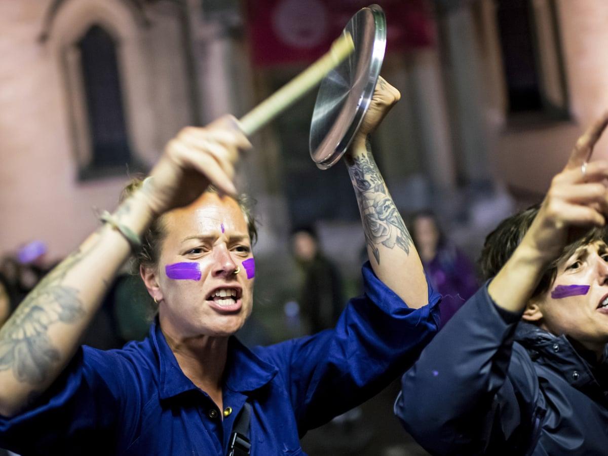 """Suiza: Las mujeres dieron un """"grito masivo"""" contra la violencia doméstica y la brecha salarial"""