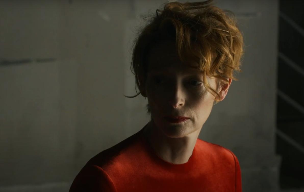 """""""The Human Voice"""": Tilda Swinton y Pedro Almodóvar se unen en el trailer de este hermoso cortometraje"""