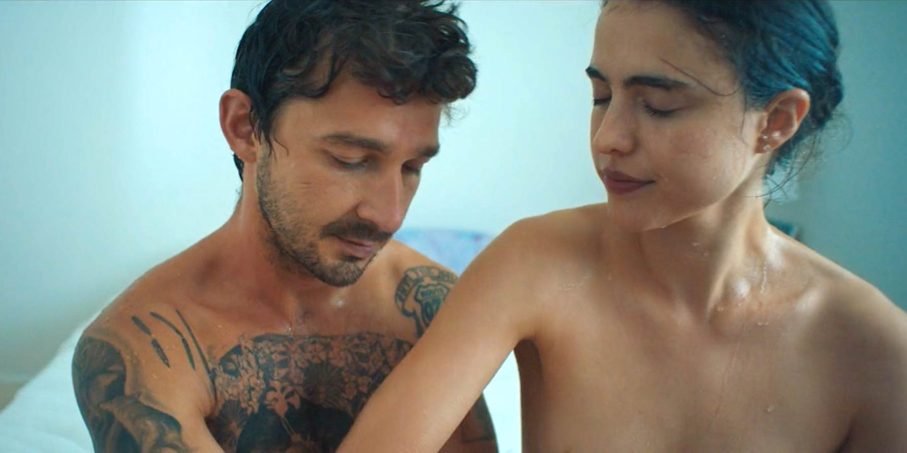Shia LaBeouf y Margaret Qualley se desnudan en este intenso video musical NSFW