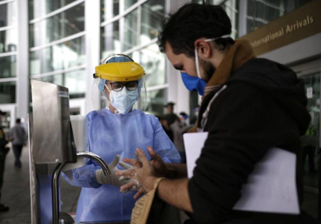 Coronavirus: Colombia restablece PCR negativo como requisito para entrar al país; Jair Bolsonaro aseguró que no se vacunará contra el COVID-19